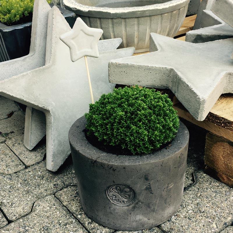 stern beton quadratisch 4475 kunst aus beton. Black Bedroom Furniture Sets. Home Design Ideas